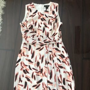 WHBM dress size 2 White with Peach/brown print